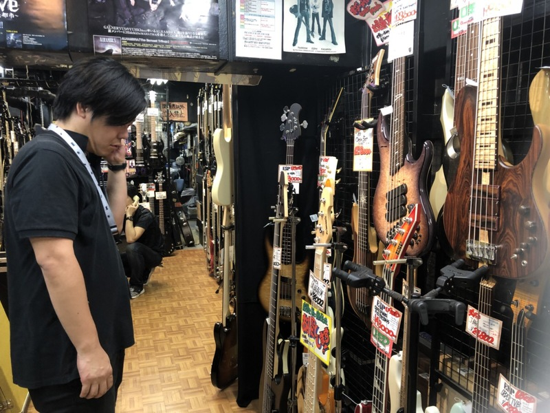 ギターを選ぶ…?