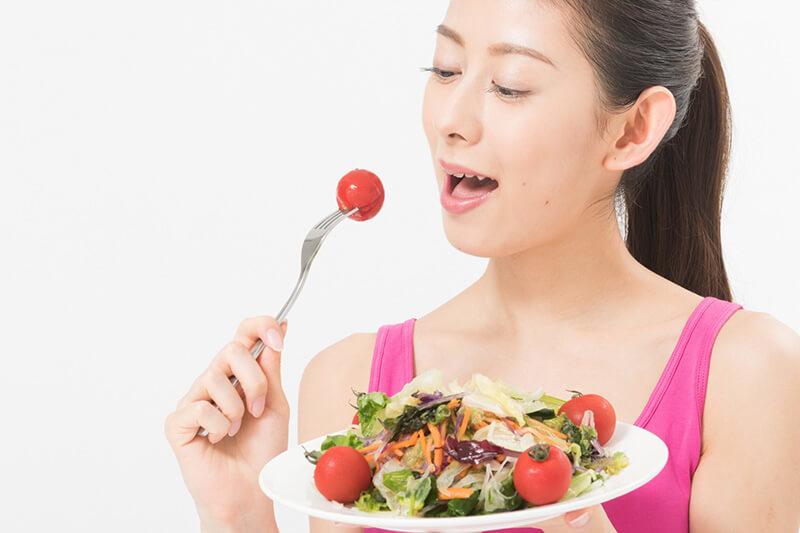 食事をするときは、まずは野菜から食べよう