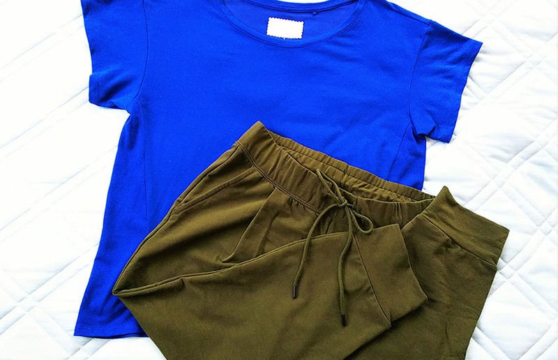 ヨガ・ピラティスのウェアはTシャツにスウェットでもOK!