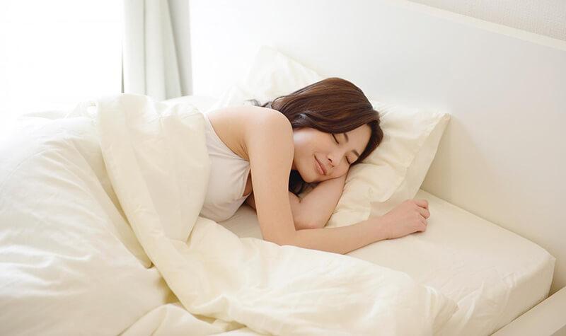 寝る前にヨガポーズを復習して、ぐっすり快眠