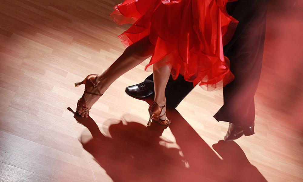 新しい趣味として社交ダンスを始めよう!華麗に踊ってダイエット効果も◎