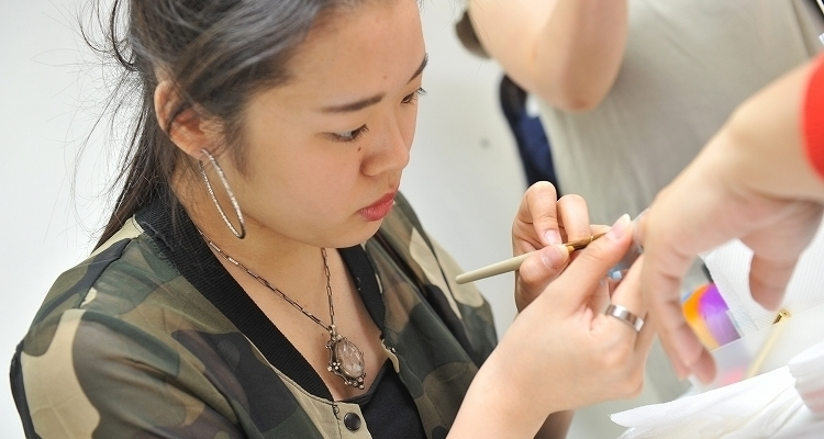 ネイルスクール 東京 サムネイル