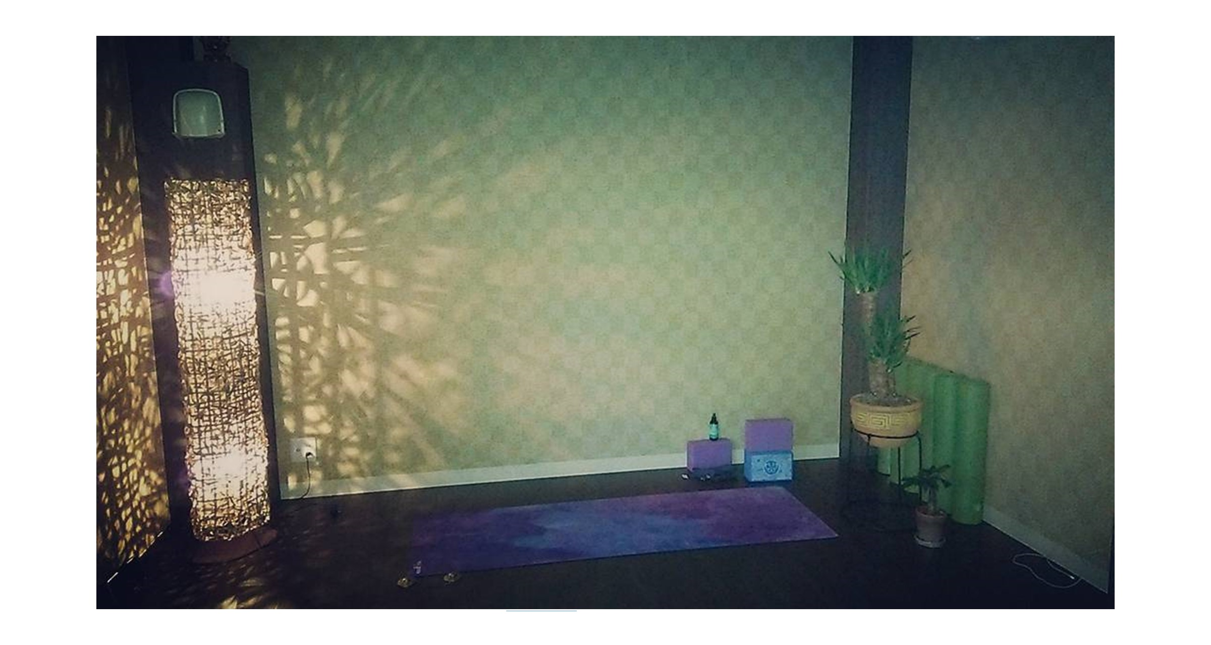 Yoga Studio Yinner bright