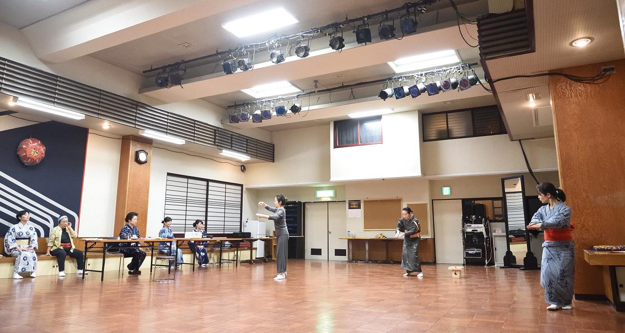 黛民族舞踊団