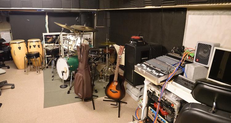 Laggy ギター教室 中河原スタジオの写真10