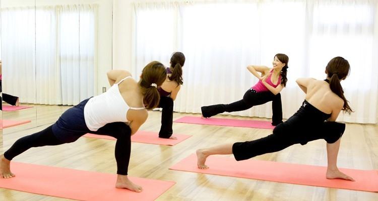 School  rena s yoga        2