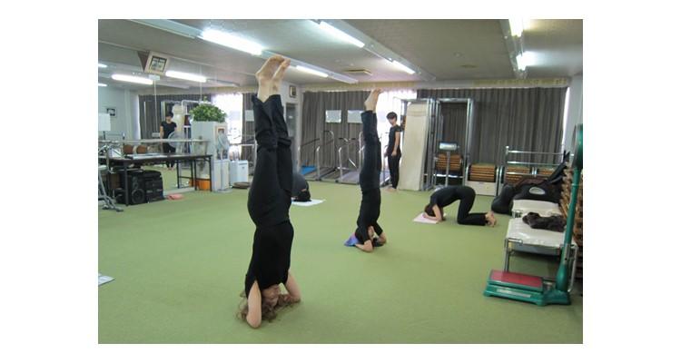 高橋ヨガ研究所 本部・上新庄校