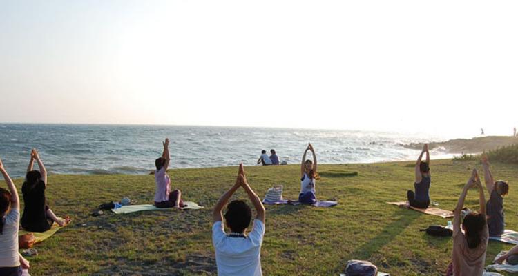 School 08142011zushi yoga2