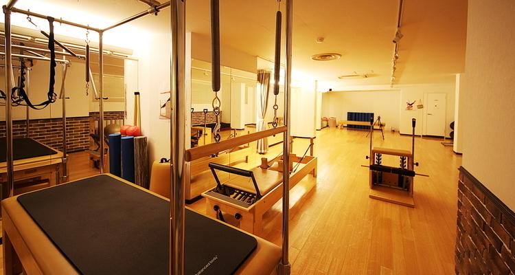 zen place pilates 池袋スタジオ